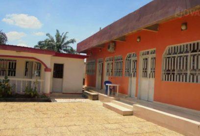 l'auberge Albert De Luxe se trouve à Kinshasa Mont-Fleury