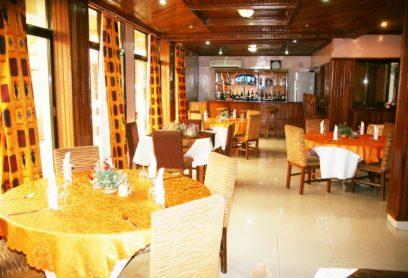 L'hôtel Meriba Kinshasa Gombe se trouve à 150 m du Boulevard le 30 Juin.