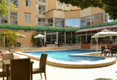 L'Hôtel Venus, 4 étoiles, est situé à 15 minutes du marché à Kinshasa, dans la région de Gombe, Le WiFi y est disponible gratuitement.