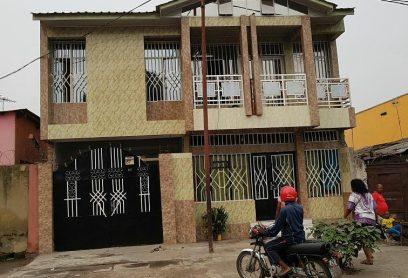 Auberge Magana Center se situe a Kasa Vubu