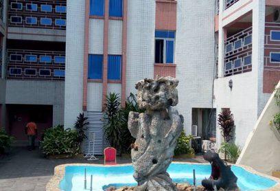Hotel Margueritte un bâtiment de 4 étages situé dans le centre-ville de Kinshasa Chambre VIP